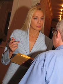 Российская женщина адвокат ирония